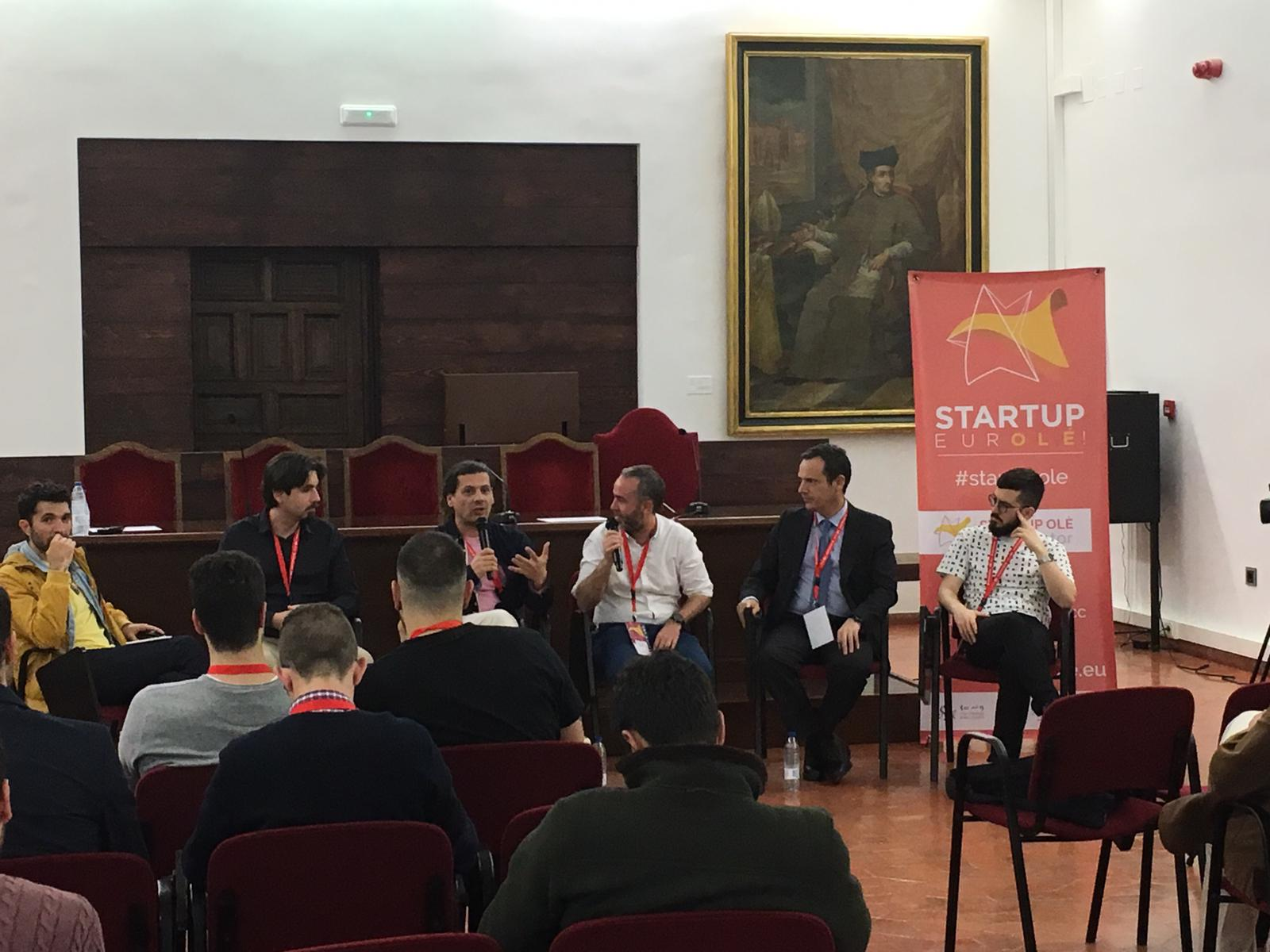 Mesa redonda Blockchain en Startup Olé